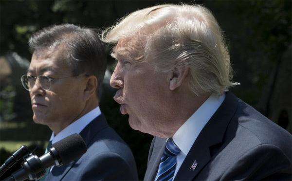 Ông Trump bất ngờ chỉ trích Hàn Quốc