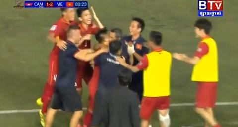 Campuchia 1-2 Việt Nam: Quang Hải lập công phút 81