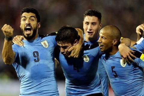 Paraguay 1-2 Uruguay