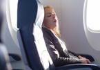 Ngủ khi máy bay cất cánh, hạ cánh có thể bị điếc