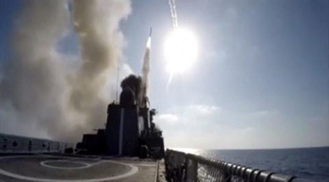 Xem Nga phóng tên lửa từ tàu chiến diệt IS