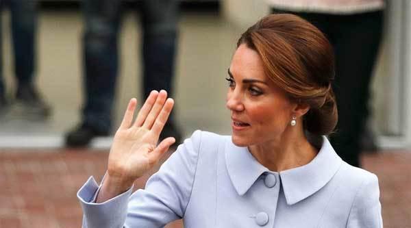 công nương Kate, hoàng gia Anh, ảnh lộ ngực
