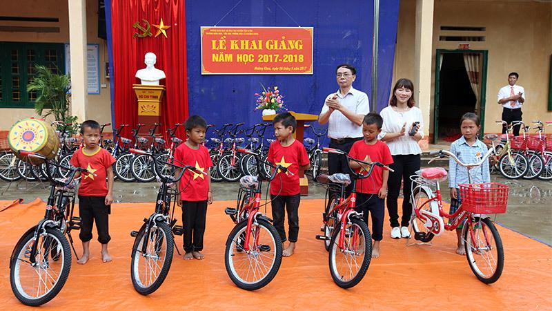 Buổi khai giảng ý nghĩa của học sinh vùng cao Lai Châu