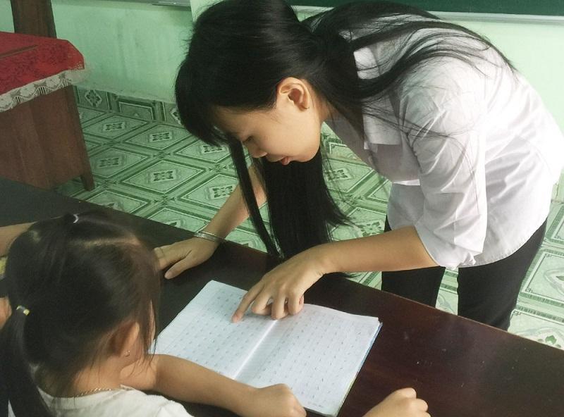thầy giáo,học sinh,tình cảnh gặp khó