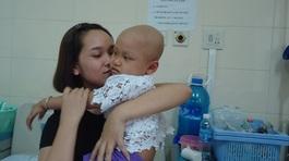 Xót thương bé gái 4 tuổi mắc căn bệnh ung thư phần mềm