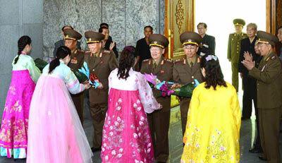 Hình ảnh Triều Tiên rầm rộ ăn mừng thử bom nhiệt hạch
