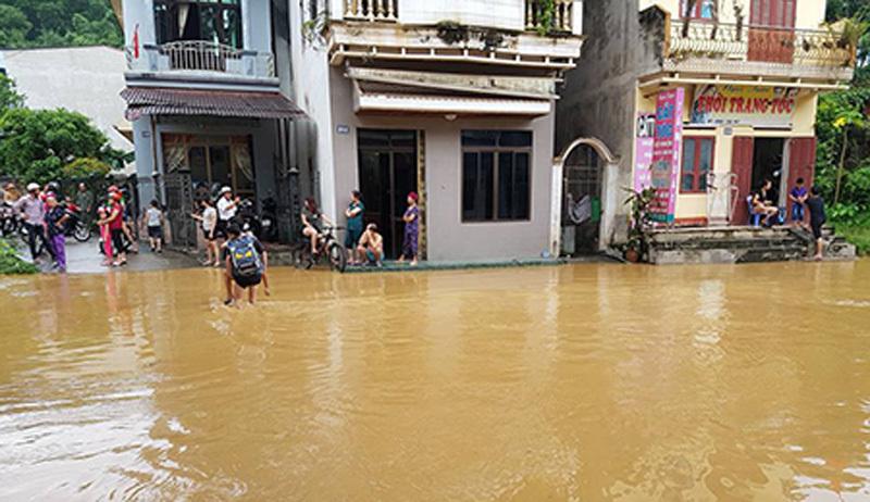 Mưa lũ, nhiều nơi ở Yên Bái lại ngập sâu