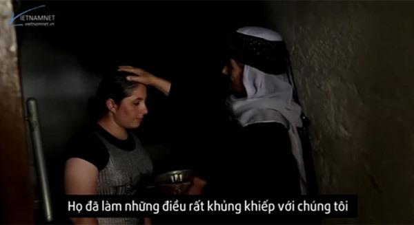 Hành trình rửa tội tìm bình yên của những nô lệ tình dục IS