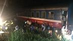 Tàu chở hơn 200 khách bị trật bánh ở Thanh Hóa