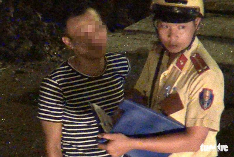 Đình chỉ 3 CSGT vụ làm luật ngay cửa ngõ Tân Sơn Nhất