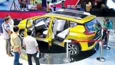 Bão hạ giá ô tô tiếp diễn ra sao?