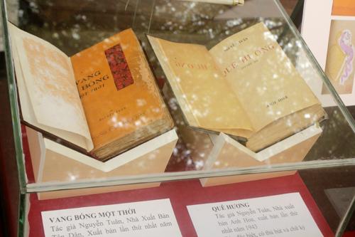Trưng bày 14 bản sách quý xuất bản trước 1945