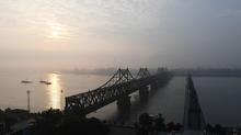 Cắt quan hệ thương mại nước 'làm ăn' với Triều Tiên, Mỹ gặp họa gì?