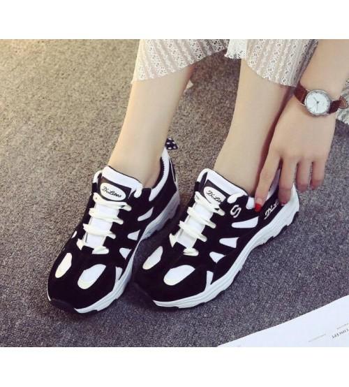 Phối đồ với giày thể thao cho nữ