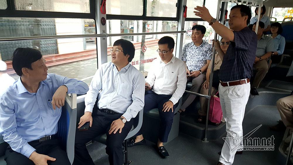 Chở 13.000 khách mỗi ngày, buýt nhanh BRT quá tải