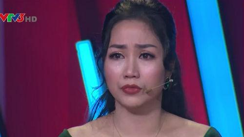 MC Ốc Thanh Vân bật khóc nức nở khi nhắc về người cha quá cố
