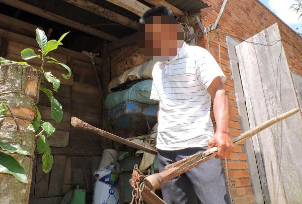 Phó công an xã bị tố tự ý vào nhà dân đập vỡ mõm chó bec-giê