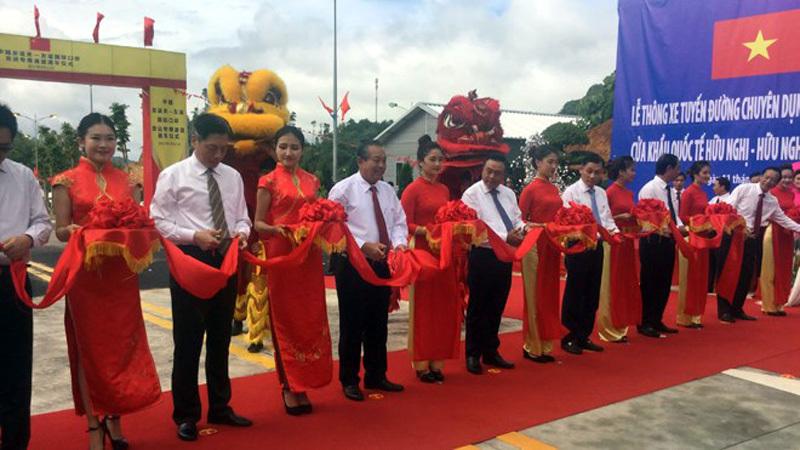 Thông xe tuyến đường chuyên dụng vận tải hàng hóa Việt Nam-Trung Quốc