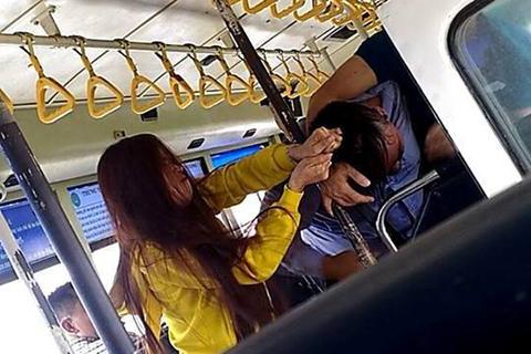 Vụ ẩu đả xảy ra trên tuyến xe buýt tuyến Bến Thành-bến xe miền Tây, giữa nam nhân viên bán vé với hai hành khách được đăng tải trên mạng xã hội đã gây xôn xao dự luận.