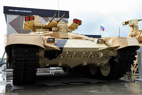 Kẻ hủy diệt Nga, xe tăng Nga, Vũ khí Nga