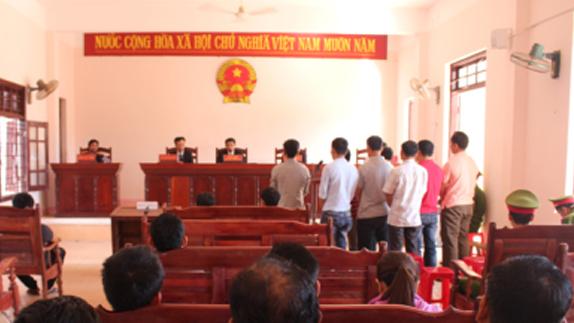 Phó ban dân vận huyện lãnh án tù vì đánh bạc