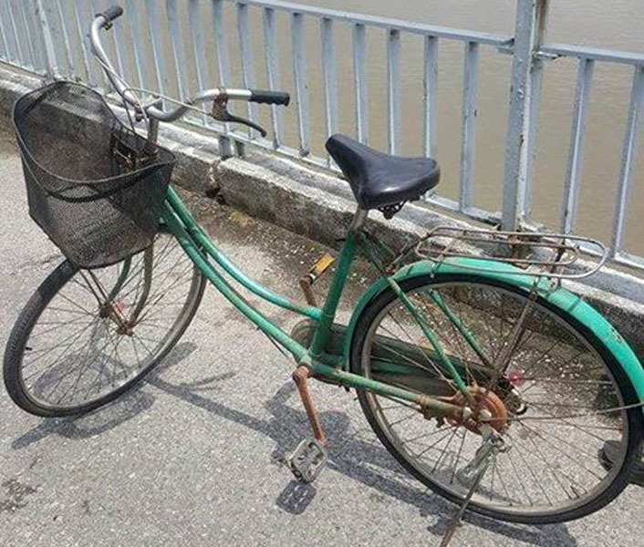 Cô gái trẻ bỏ lại xe đạp nhảy sông Lam tự vẫn