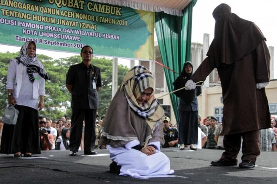 Luật Sharia, phạt roi, Indonesia