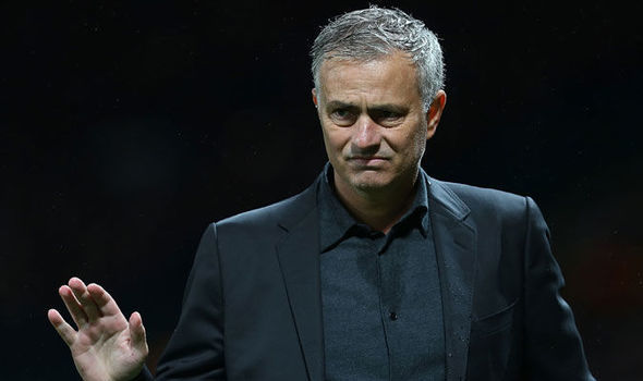 MU nổ vang, Mourinho vẫn mắng rát mặt học trò