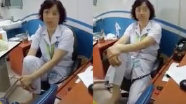 Nữ tiến sĩ bệnh viện Mắt gác chân lên ghế nhận lỗi