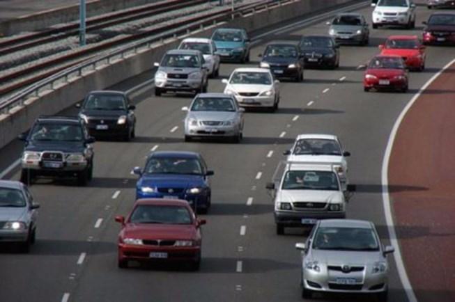 Ô tô đi sai làn đường bị phạt bao nhiêu?