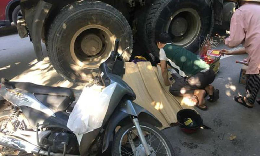 Thai phụ bị xe container cán qua đầu, tử vong