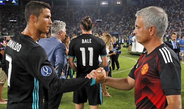 Ronaldo giận run Mourinho, Barca 'bỏ rơi' Di Maria