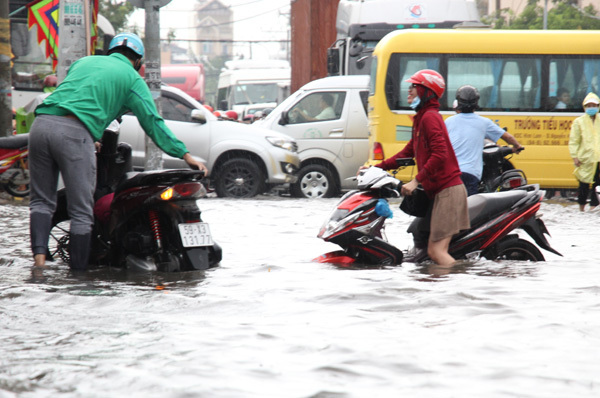 mưa lớn, ngập nước, bão số 10, Sài Gòn,tin bão mới nhất