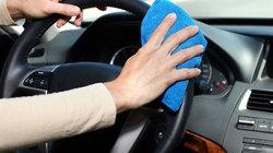 Mẹo khử mùi xăng trên ô tô