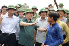 Phó Thủ tướng chỉ đạo ứng phó bão số 10 ở Quảng Bình