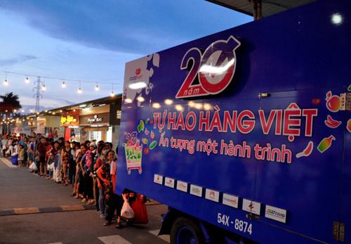 Hơn 20.000 lượt người xếp hàng ủng hộ hàng Việt