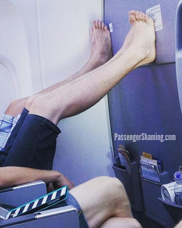 Những việc tiếp viên hàng không muốn hành khách ngay lập tức dừng lại