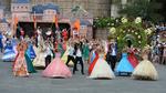 Carnival châu Âu khuấy động phố đi bộ Hà Nội