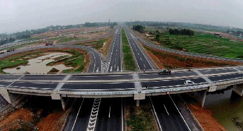 Hạ tầng giao thông- 'đòn bẩy' giá trị BĐS Long An