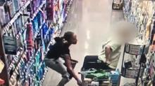 Hành động của người phụ nữ trong siêu thị gây phẫn nộ