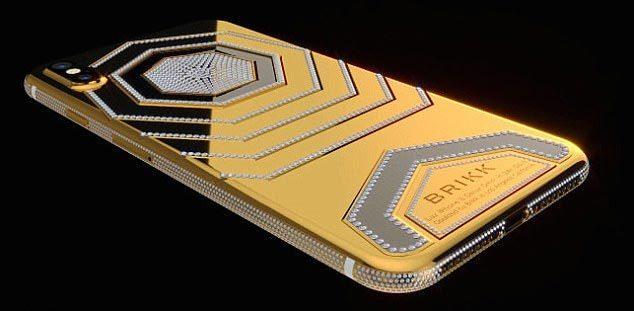Cận cảnh iPhone X đặc biệt cho giới siêu giàu, giá 70.000 USD