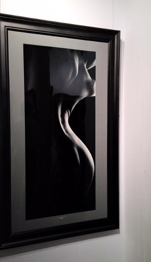 Tò mò triển lãm ảnh khỏa thân đầu tiên được cấp phép ở Việt Nam