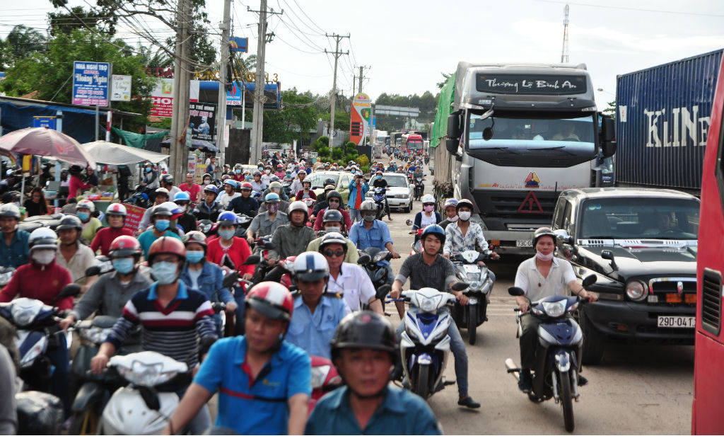 BOT, trạm BOT Biên Hòa, xả trạm, thu phí BOT, dùng tiền lẻ trả phí, đồng nai