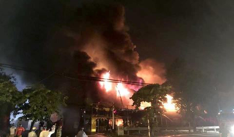 cháy siêu thị