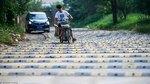 Khốn khổ với đoạn đường có gờ giảm tốc dày đặc chưa từng thấy