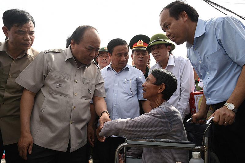 Thủ tướng đến Hà Tĩnh chỉ đạo khắc phục hậu quả bão