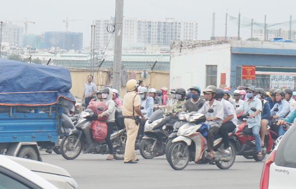 Tân Sơn Nhất, kẹt xe, Bộ Quốc phòng, đất quân đội