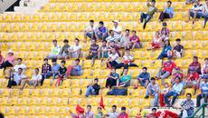 V-League sống mòn: Ai làm khán giả quay lưng?