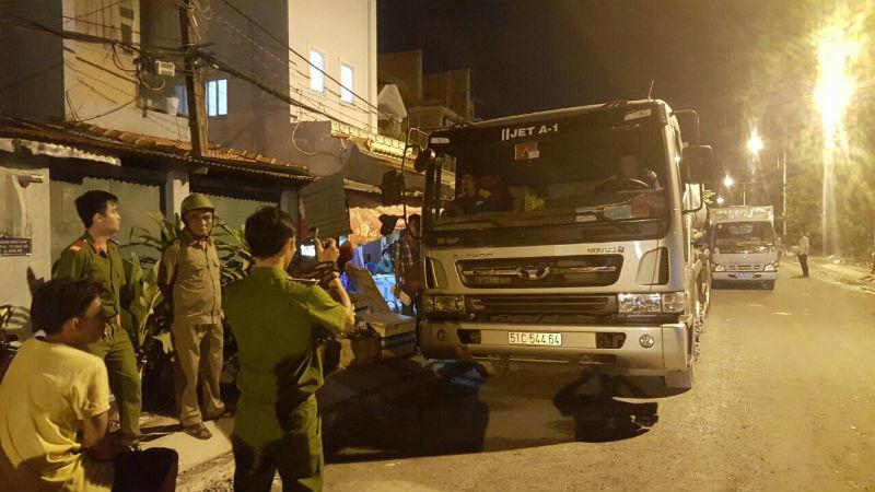 Bắt nhiều băng nhóm rút ruột xăng dầu máy bay quy mô lớn ở Sài Gòn - ảnh 1