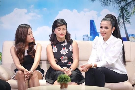 Việt Trinh, Gương hai chiều